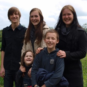 Als ausgesprochener Familienmensch mit fünf Kindern schätze ich die familiäre Atmosphäre in Greifensee. Als Gemeinderat werde ich mich dafür einsetzen, dass wir auch weiterhin attraktiv für Familien bleiben.